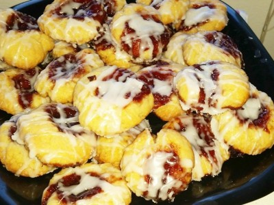 August 2014 Reader Recipe: Italian Glazed Raspberry Almond Shortbread Thumbprint Cookies
