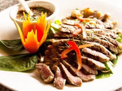 3 Dishes Neighborhood Restaurant Review: Thai Pasta