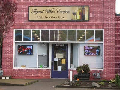 Business Spotlight: Make your own wine and have fun!